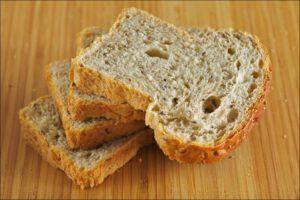 Vier sneetjes droog brood