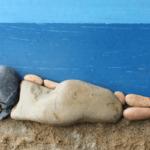 Natuuractiviteit: buitenspelen met stenen